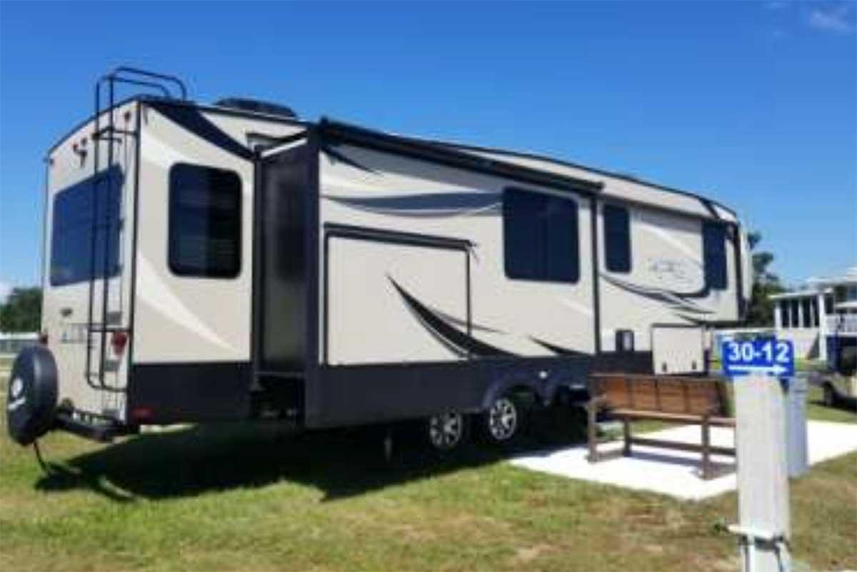 Keystone Laredo 5th Wheel Travel Trailer