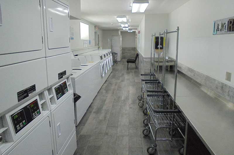 laundry room in rv park in dade city, fl